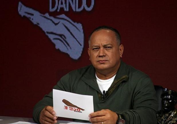 Diosdado-Cabello-Con-el-Mazo-Dando2-e1418916456359-540x428