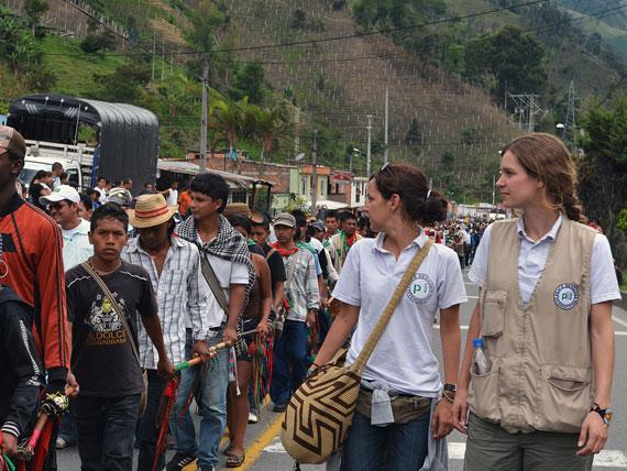 Activistas de PBI en Colombia durante la Minga de los pueblos indigenas