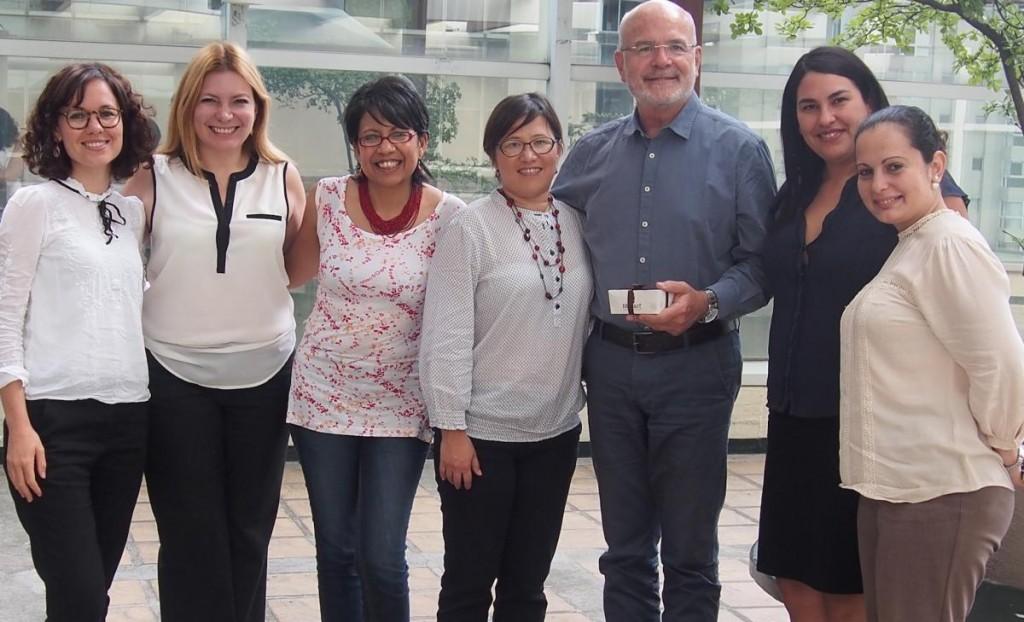 Relator reunido con defensoras de derechos humanos durante su visita académica en Venezuela